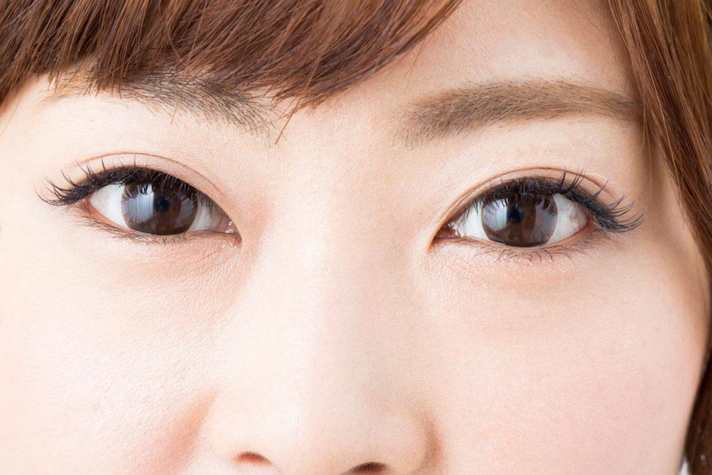 目が小さい人の特徴はあるの?
